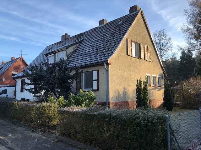 Bezugsfreie Doppelhaushälfte in der ´Marinesiedlung´ +++ in ca. 35 min mit dem Regio in Hannover