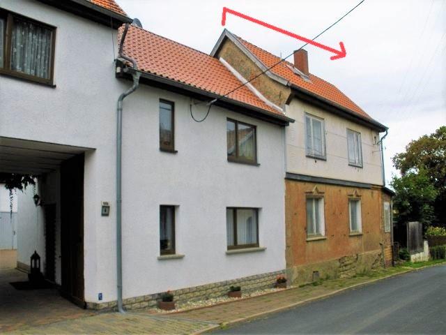 Leerstehendes Einfamilienhaus mit Nebengelass am Ortsrand