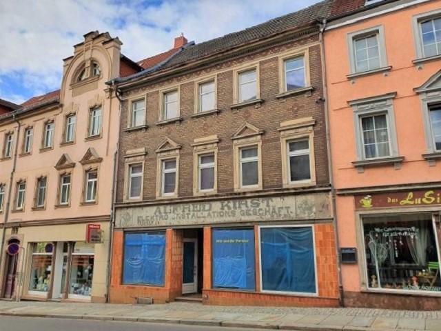 Leerstehendes Wohn- und Geschäftshaus im historischen Stadtkern im Städtedreieck Chemnitz-Leipzig-Dresden