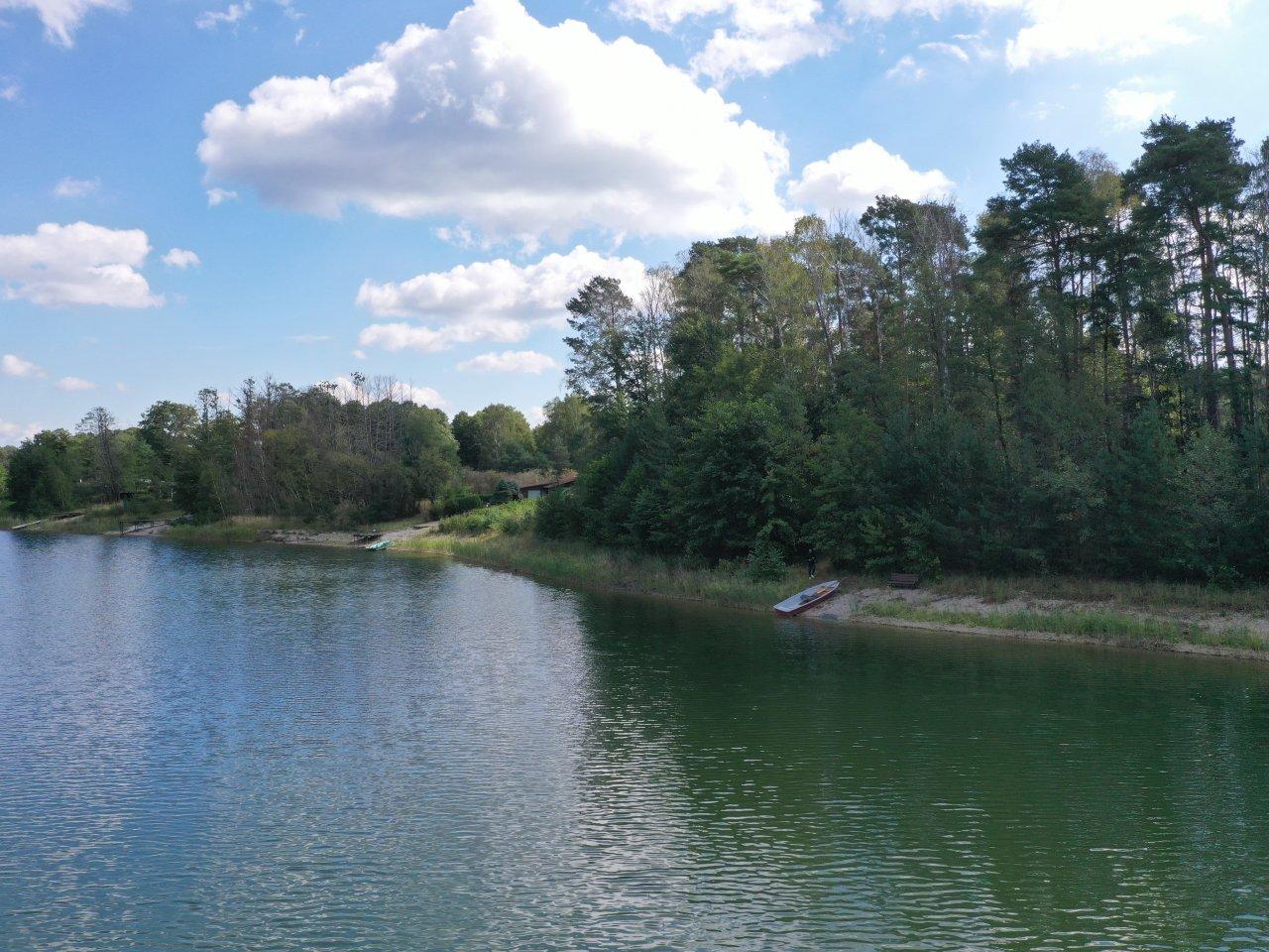 Ufergrundstück in unmittelbarer Nachbarschaft zu Erholungsgrundstücken direkt am Pinnower See im Schlaubetal